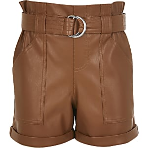 Shorts marron en cuir synthétiquetaille haute ceinturée pour file