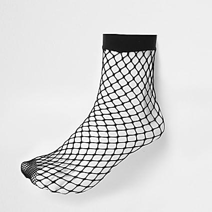 Black wide fishnet ankle socks