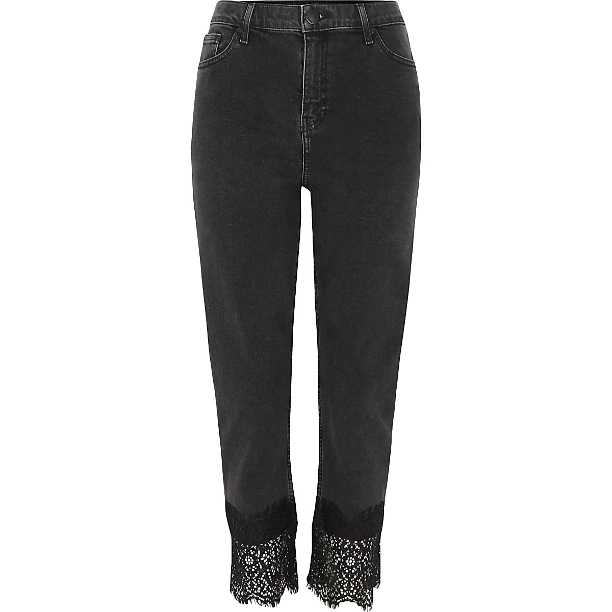 Zwarte Bella jeans met rechte pijpen met kant aan de zoom