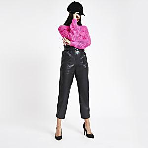Schwarze Kunstleder-Hose mit Paperbag-Taille