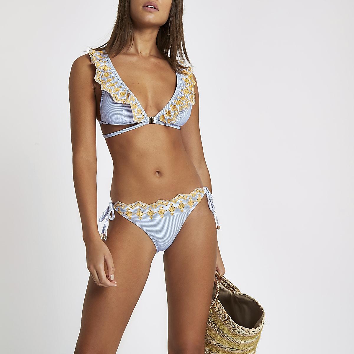 Blauw gestreept bikinibroekje met broderie en zijbandjes