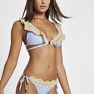 Haut de bikini décolleté rayé bleu avec broderie anglaise