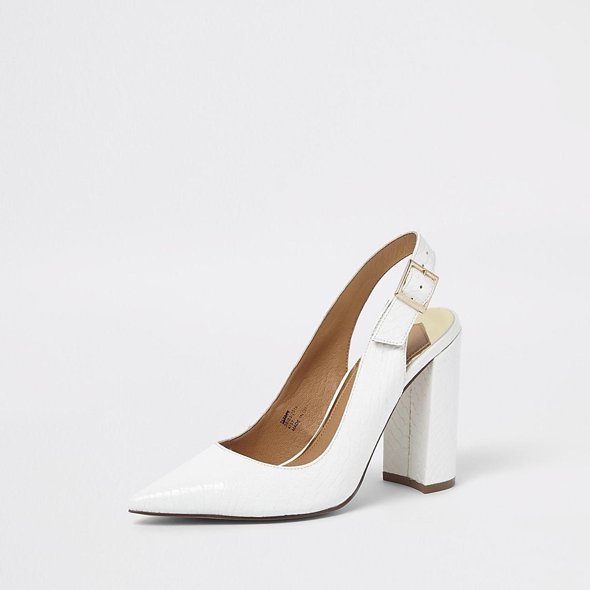 46905e9c2c241b Weiße Pumps mit Fersenriemen - Schuhe - Schuhe   Stiefel - Damen