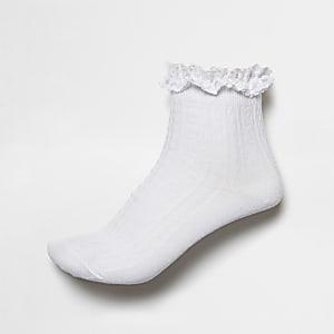 Chaussettes en maille torsadée blanches à volants