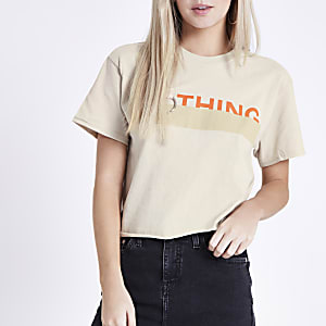Petite beige 'nothing' print cropped T-shirt