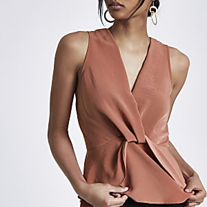 Copper twist front frill hem top