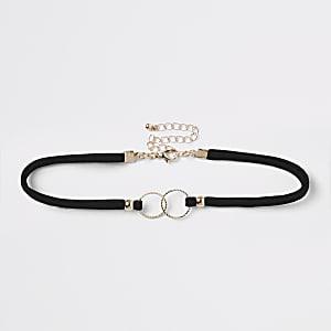 Zwarte verfraaide chokerketting met verbonden ringen