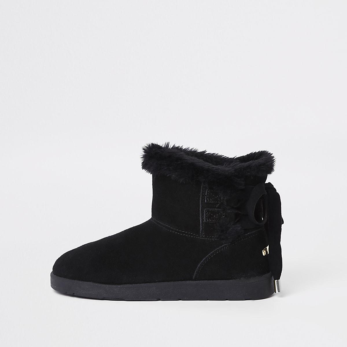 Black lace back faux fur lined boots