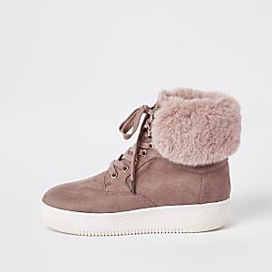 Dark pink lace-up faux fur trims boots