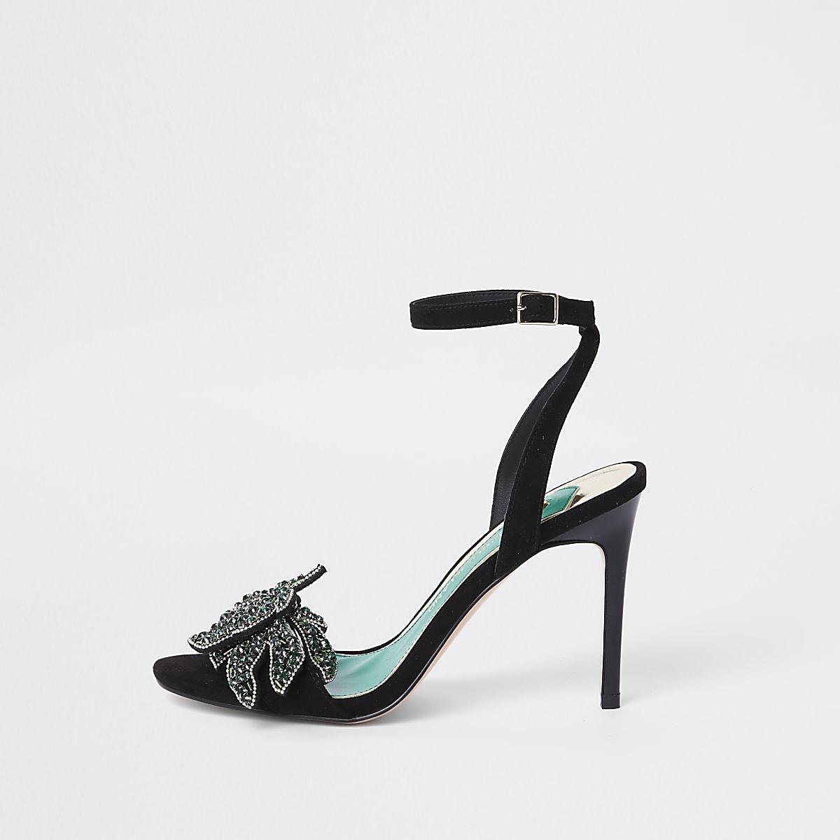 Sandales noires ornées à talons fins