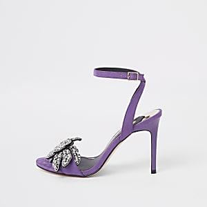 Sandales minimalistes violettes à ornements