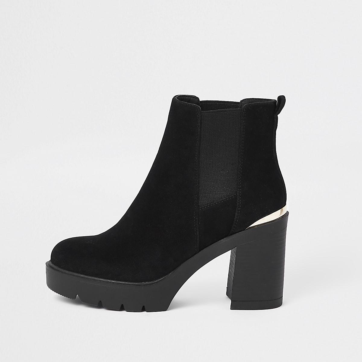 Schwarze, grobe Chelsea-Stiefel