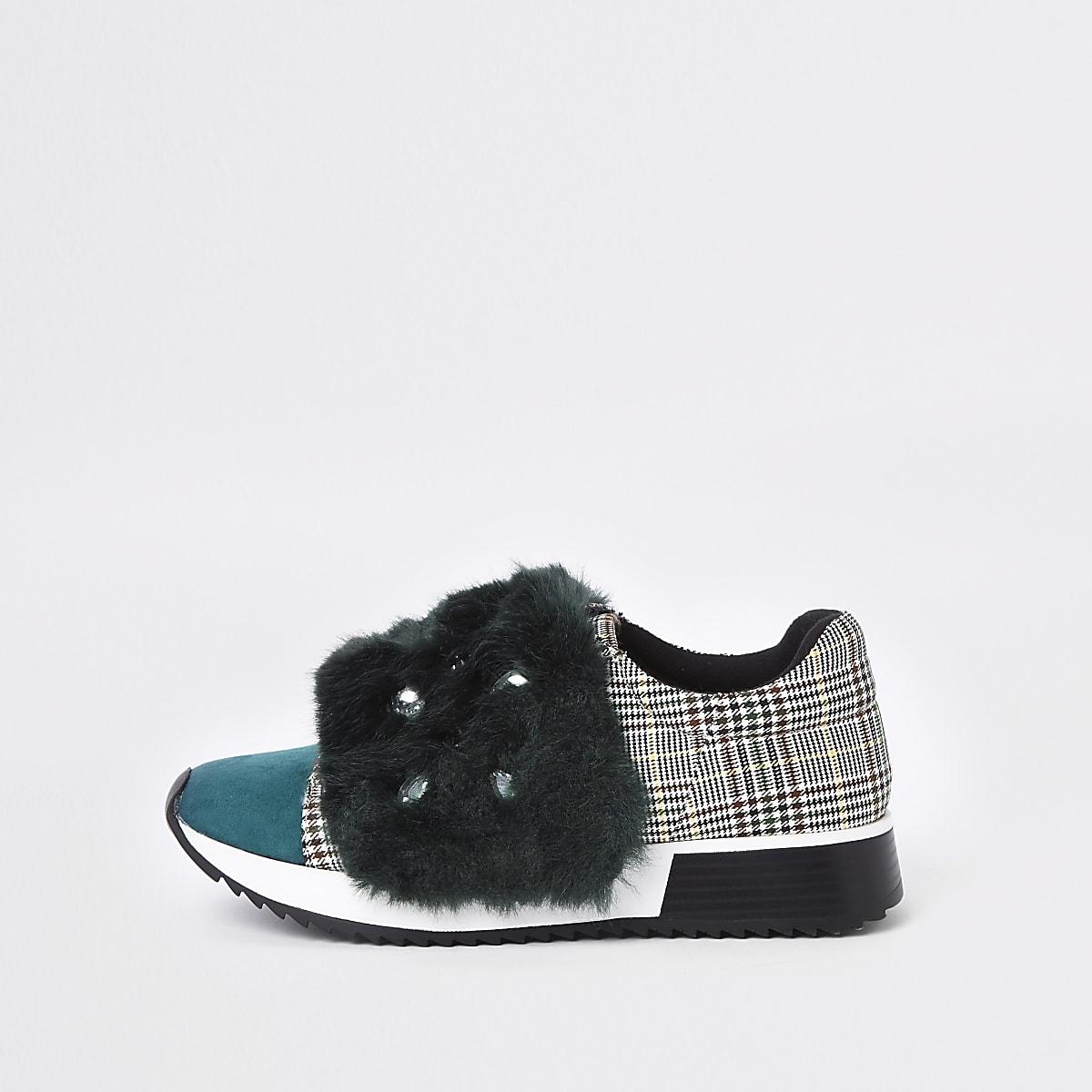 Groene sneakers met imitatiebont en sierstenen