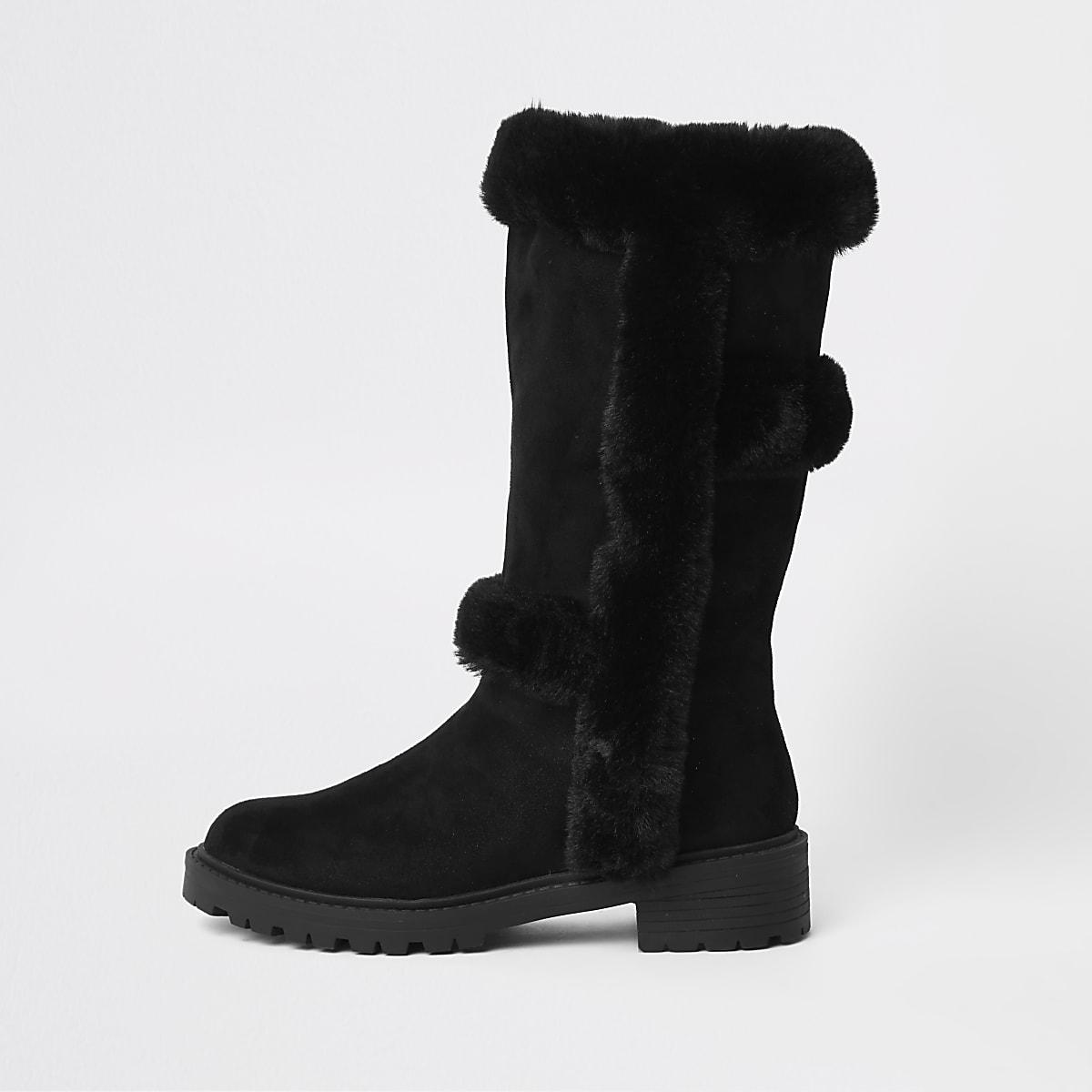 Schwarze, kniehohe Stiefel mit Kunstfellfutter