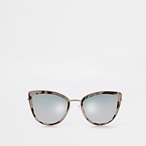 Roségoudkleurige cat-eye-zonnebril met getinte glazen