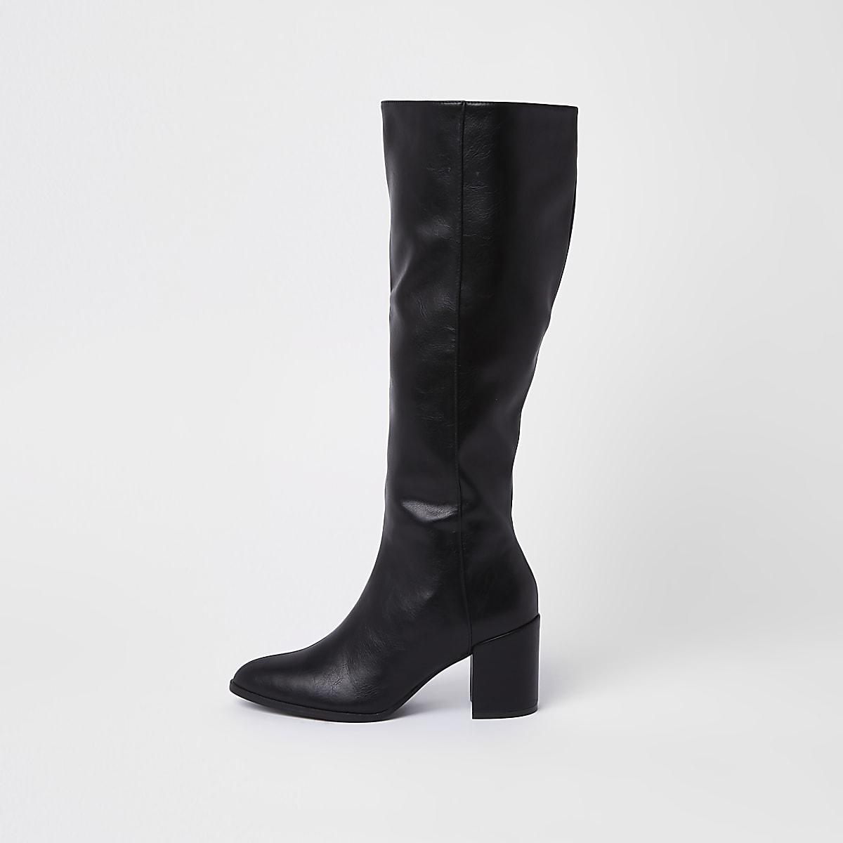 Schwarze, kniehohe Stiefel aus Lederimitat