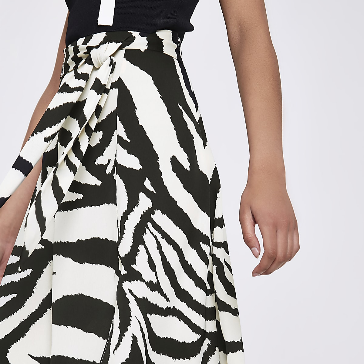 b096665fd Black zebra print asymmetric midi skirt - Midi Skirts - Skirts - women