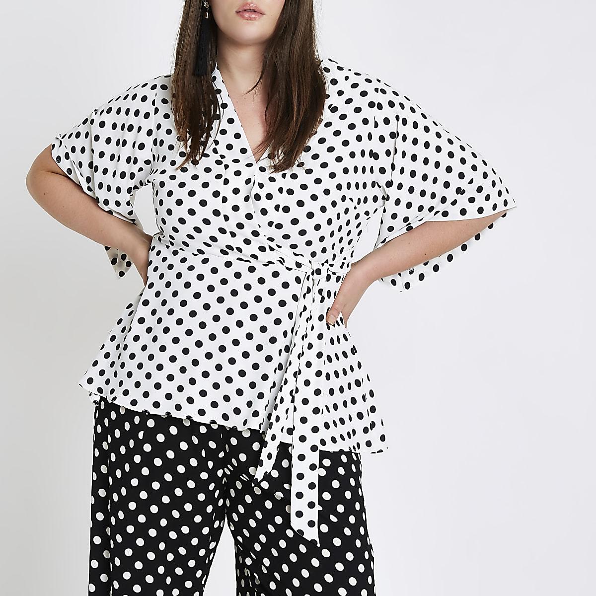 RI Plus - Witte top met stippen en kimonomouwen