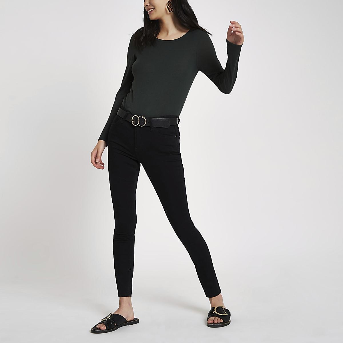 Green scoop neck long sleeve T-shirt