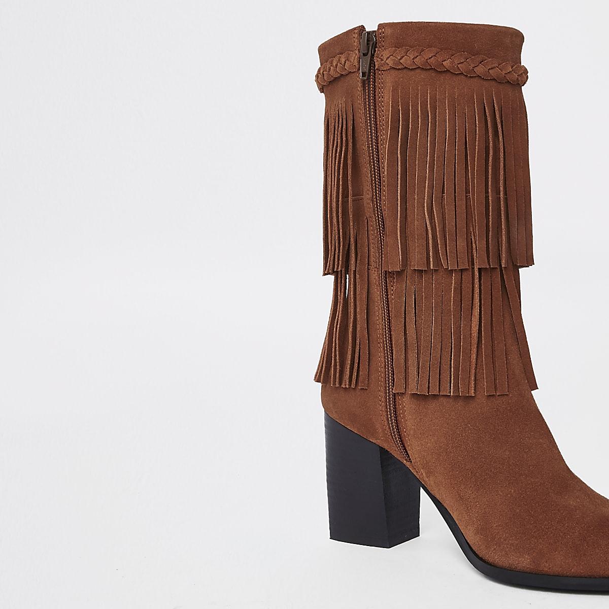 7fbd9e8ce4fba7 Braune Wildlederstiefel mit Blockabsatz - Stiefel - Schuhe   Stiefel ...
