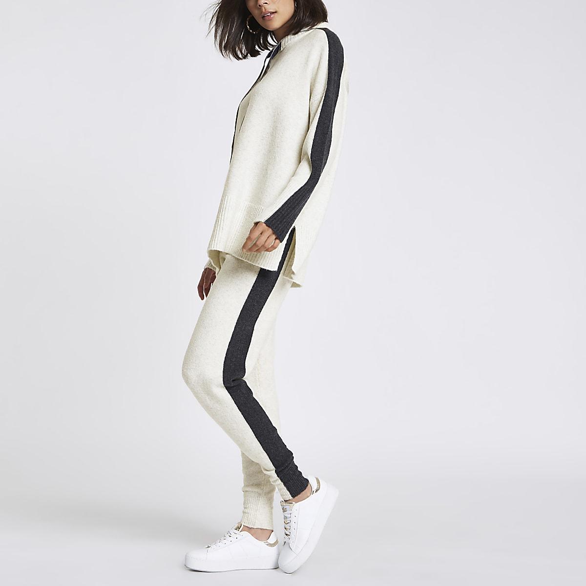 Pantalon de jogging en maille beige à rayures sur les côtés