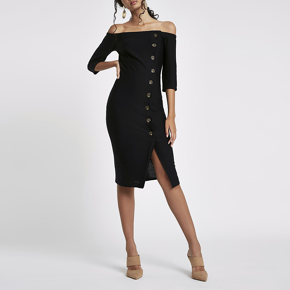 Robe moulante mi-longue Bardot noire boutonnée sur le devant