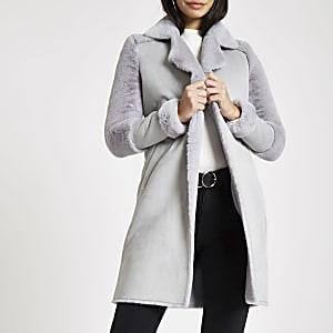 Manteau doublé de fausse fourrure gris
