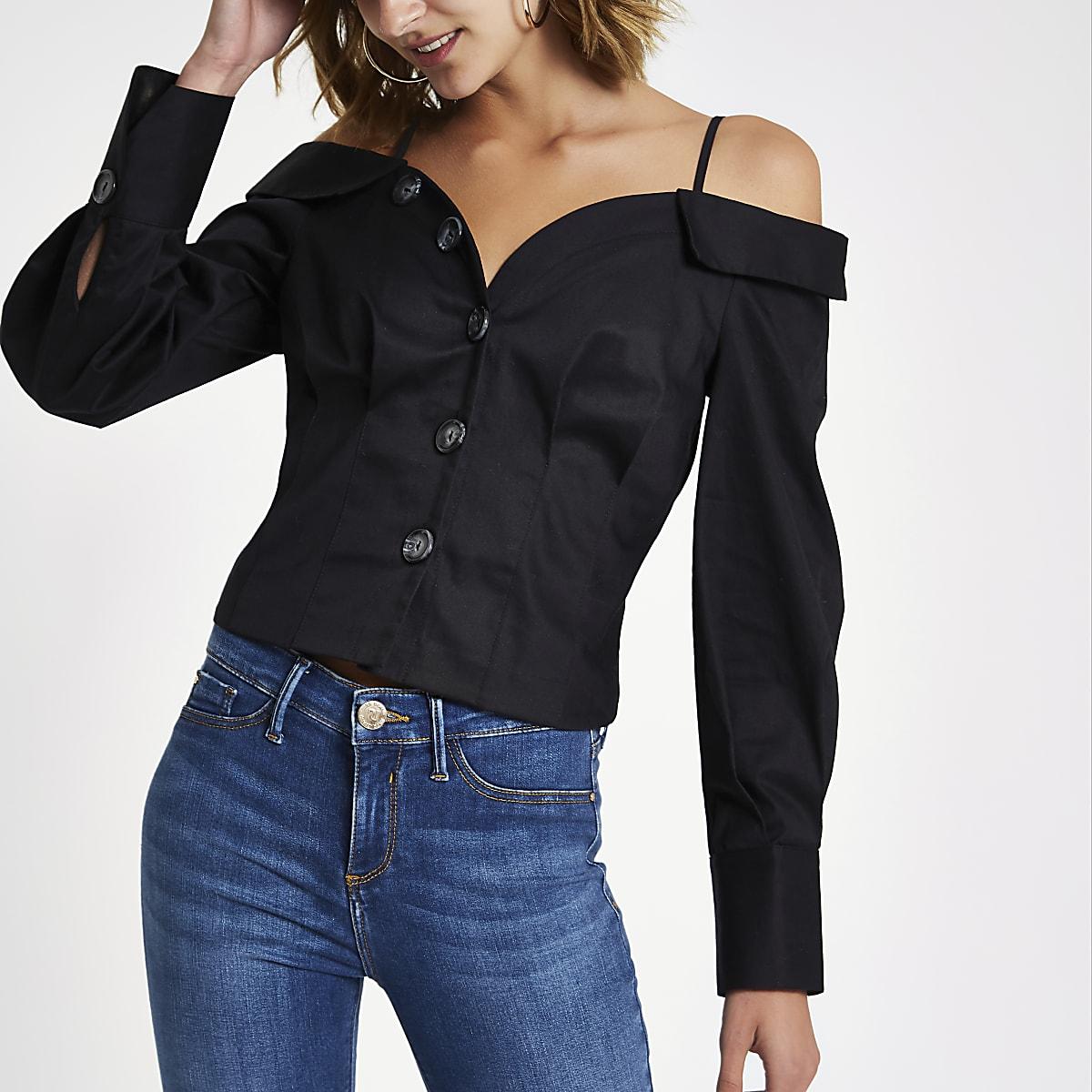 Zwart aansluitend overhemd in bardotstijl met knopen voor