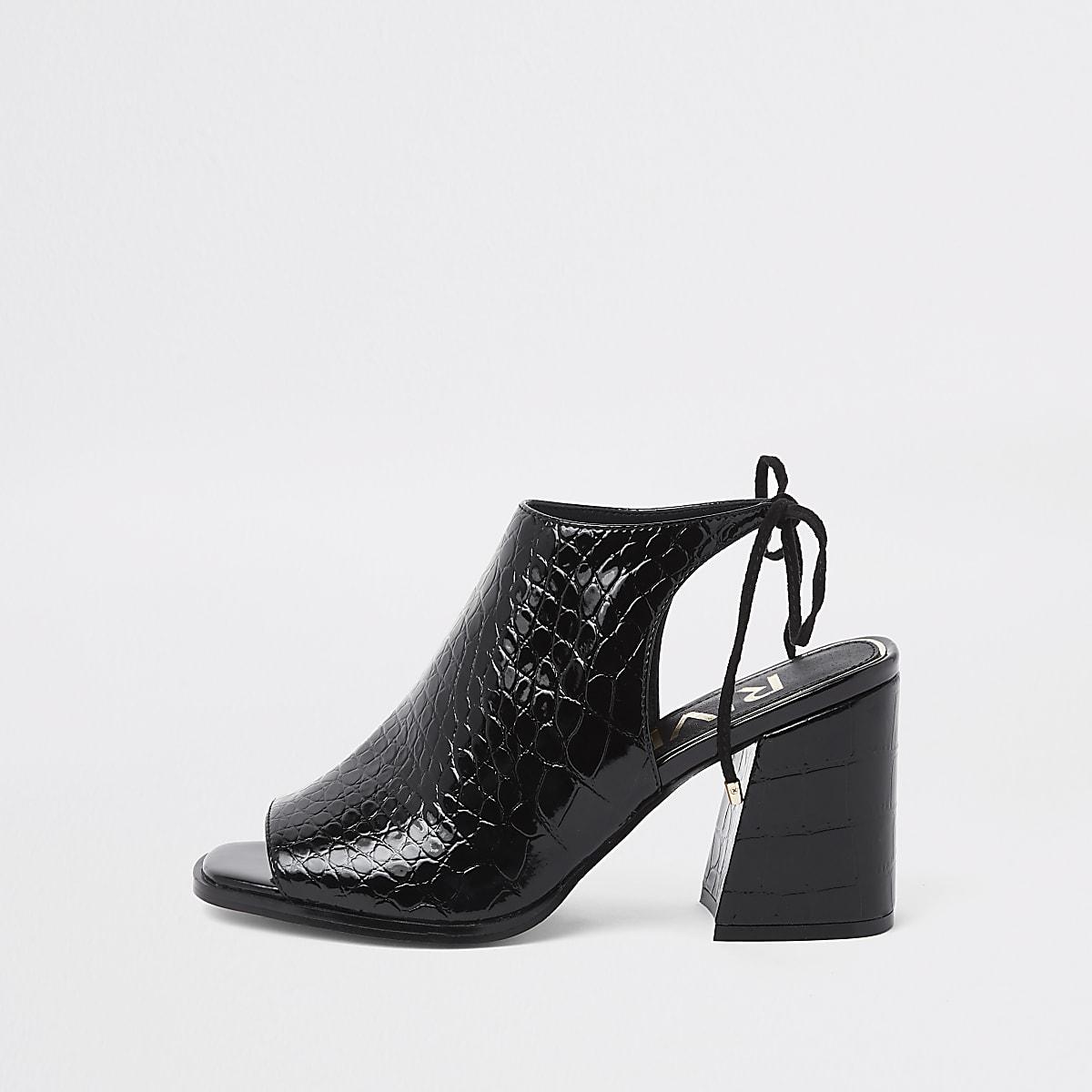 Zwarte schoenlaarsjes met blokhak, krokodillenprint en strik achter