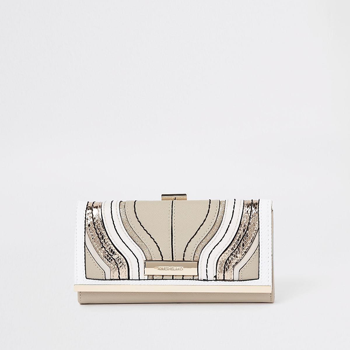 Cream wave cutabout cliptop purse