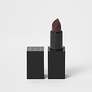 Red matte lipstick power pout