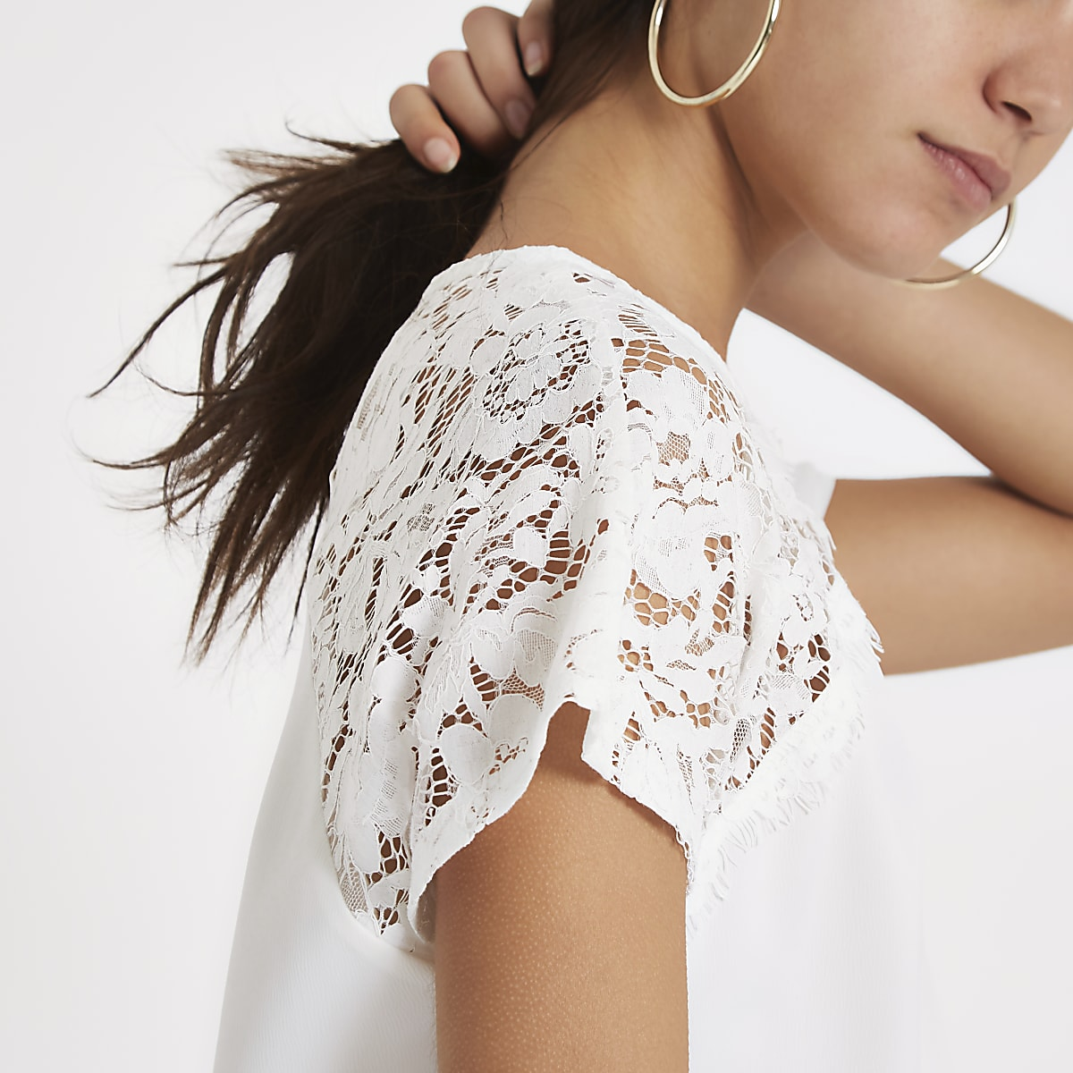 White round neck lace trim top