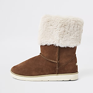 Brown faux fur lined boots