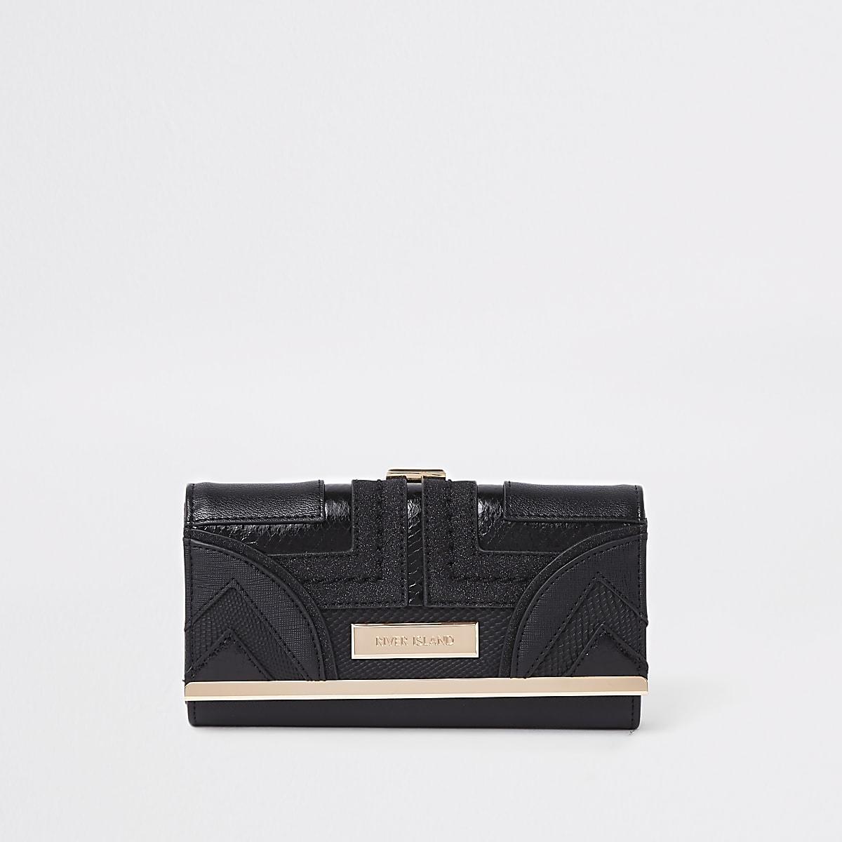 Zwarte portemonnee met druksluiting, uitsnede en paneel met geometrische print