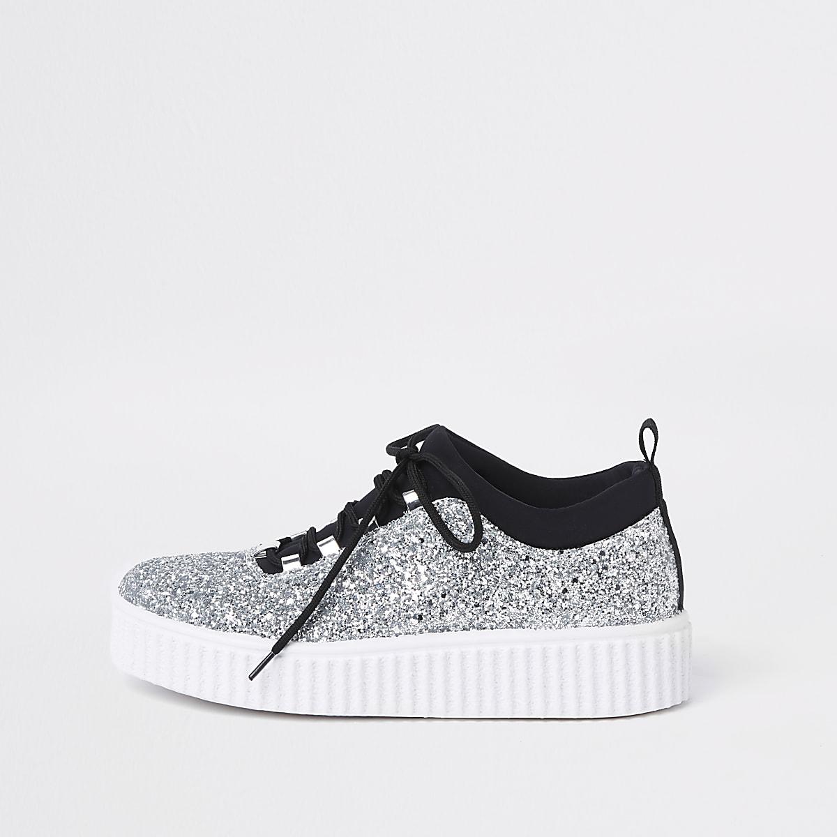 Silberne, glitzernde Creeper-Sneaker mit Schnürung