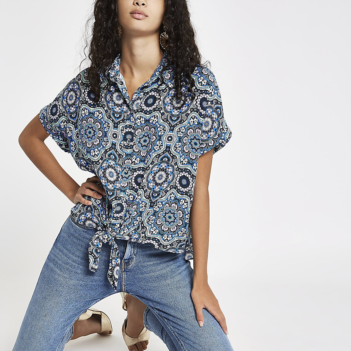 Zwart overhemd met mozaiekprint en strik voor