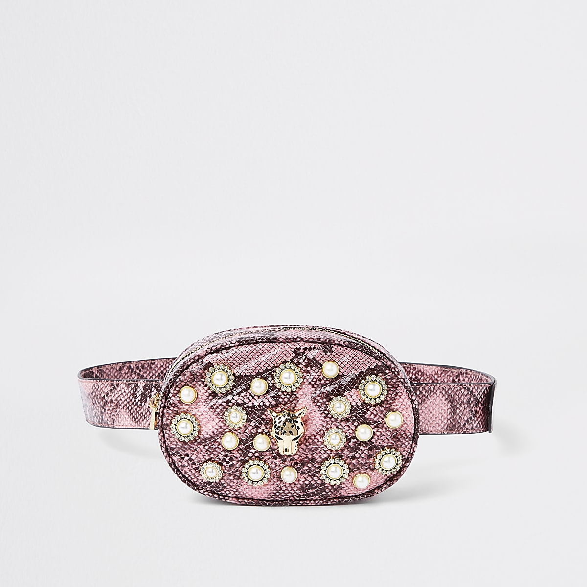 c6a16909192 Roze heuptasje met verfraaide riem en slangenprint Roze heuptasje met  verfraaide riem en slangenprint ...