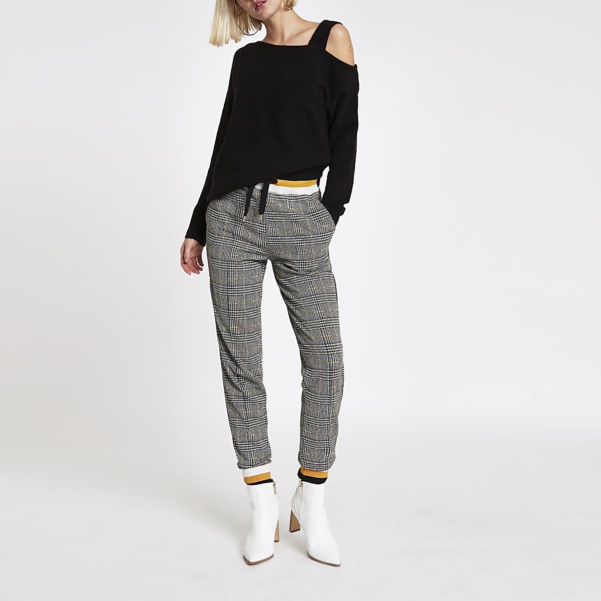 Black asymmetric shoulder knit sweater