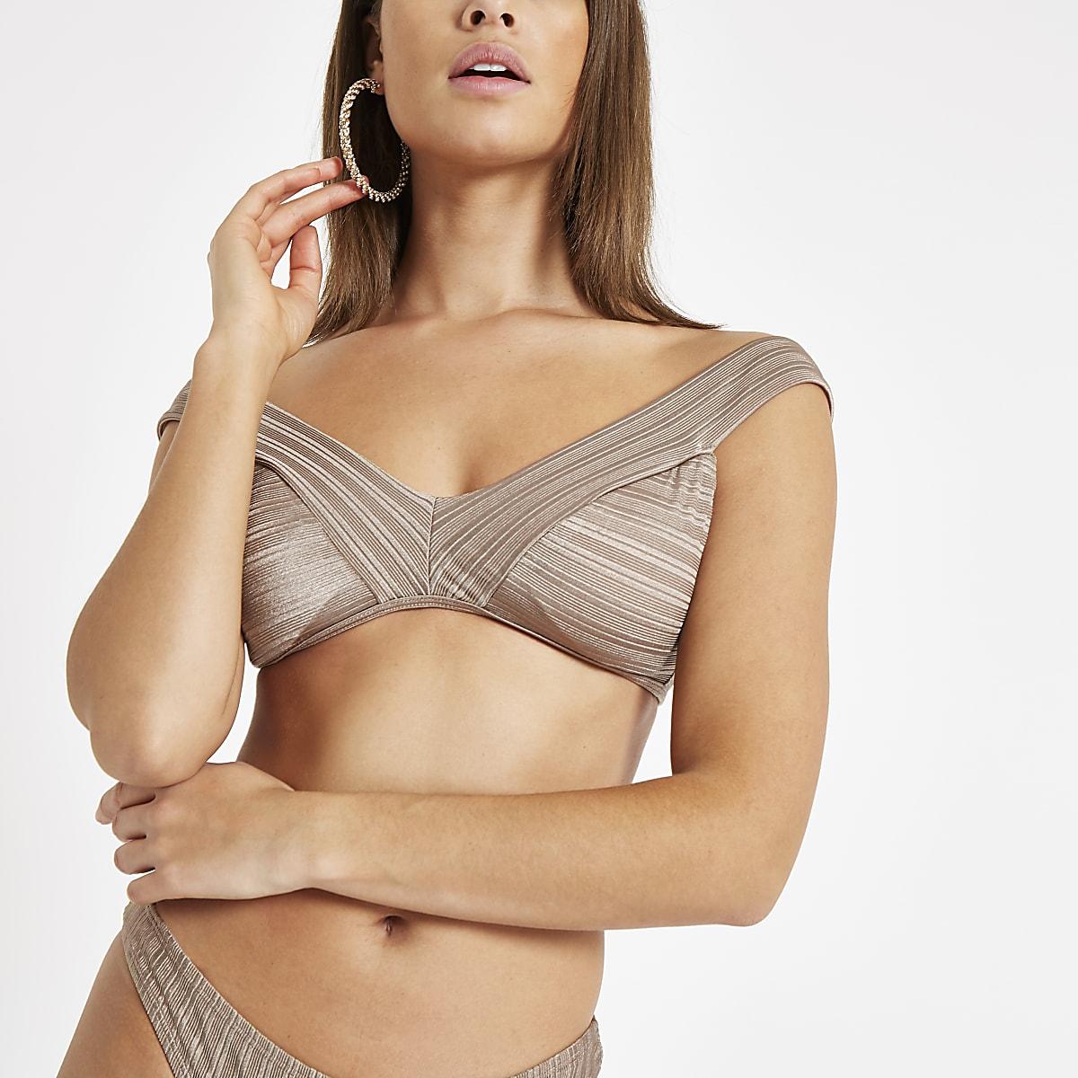 Kaki bikinitop met textuur en blote schouders