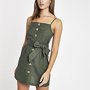 Robe de plage verte à boutons et lien à la taille