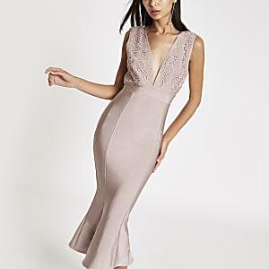 Forever Unique – Pinkes, mittellanges Kleid mit Schößchen