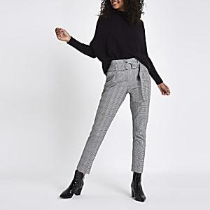 Pantalon carotte à carreaux noir avec ceinture à boucle