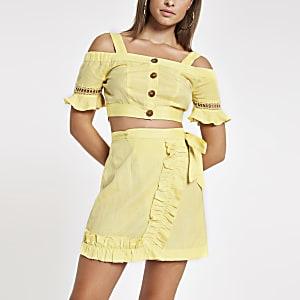 Top de plage citron boutonné à épaules dénudées