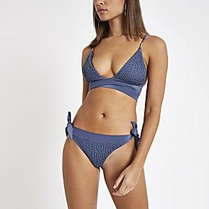 Haut de bikini triangle bleu noué sur le devant froncé