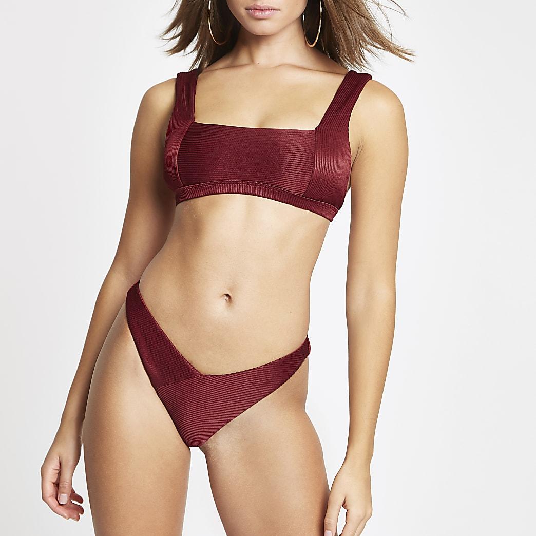 Bordeauxrood geribbeld hoog uitgesneden bikinibroekje