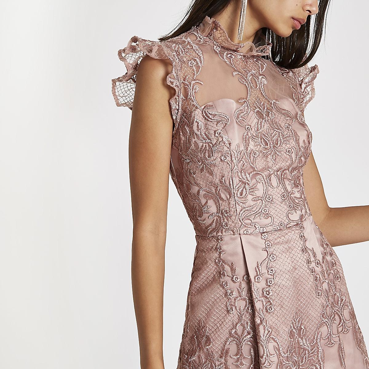 c0473f537d8d8a Chi Chi London - Roze kanten wijduitlopende jurk - Skaterjurken ...