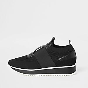 Black knitted elastic runner shoes