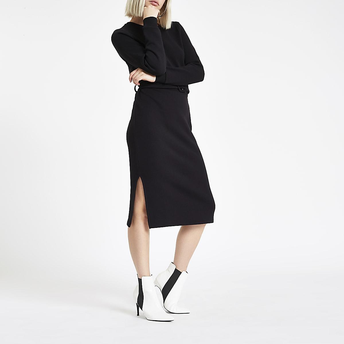 Zwarte trui-jurk met ceintuur