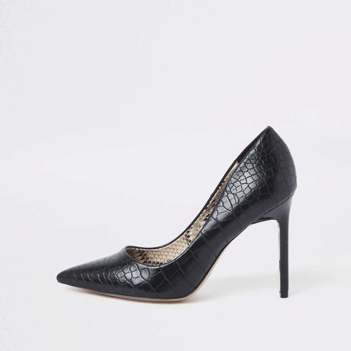 Black croc embossed pumps
