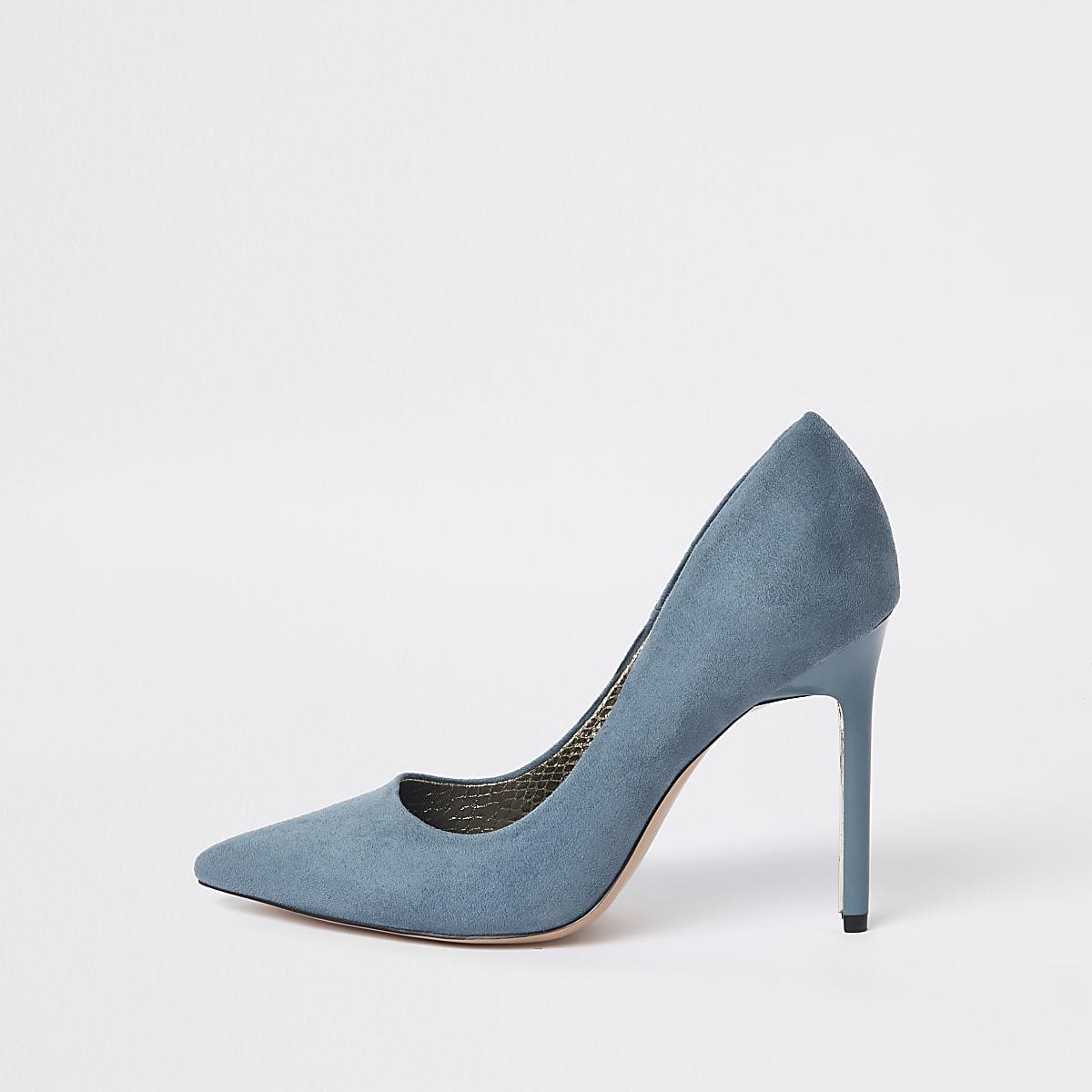 Blue faux suede pumps